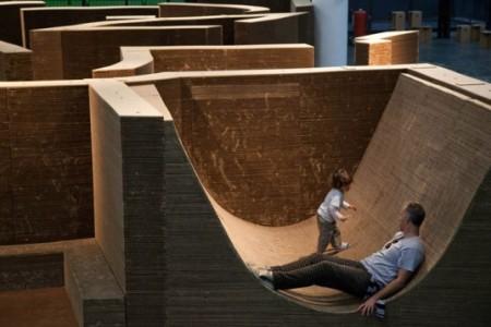 98.1 Carlos-Teixeira-Layered-Cardboard-Labyrinth-Installation-2-537x358