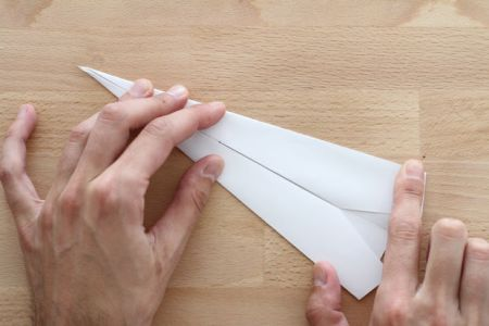 10 Lethal Paper Plane  1